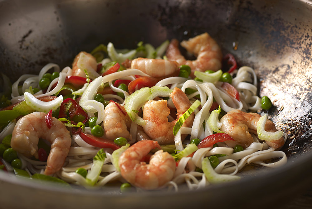 Garlic & Chilli Prawn Stir Fry with Udon Noodles